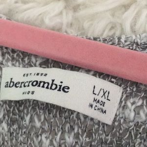 abercrombie kids Tops - Knitted Abercrombie sweater
